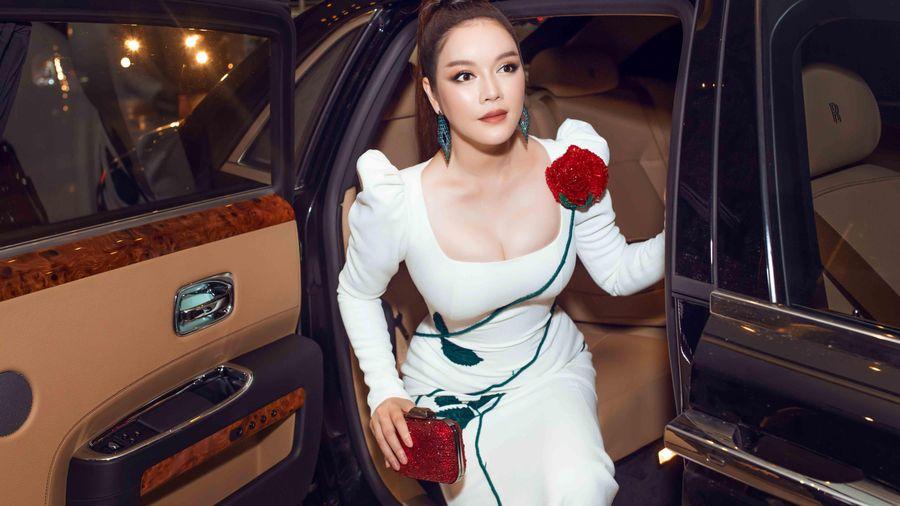Cận cảnh siêu xe Rolls Royce 40 tỷ của kiều nữ Lý Nhã Kỳ