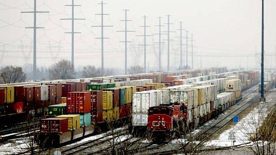 Vận tải đường sắt Canada tê liệt vì biểu tình lớn nhất thập kỷ