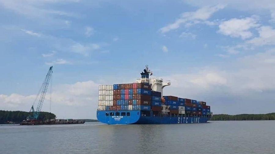 Vụ chìm tàu hơn 8.000 tấn: Tàu mớn nước 9,6m đã đi lọt luồng sông Lòng Tàu