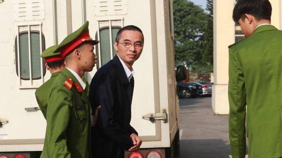Hoãn phiên tòa do Cựu Bộ trưởng Bộ Thông tin và Truyền thông vắng mặt