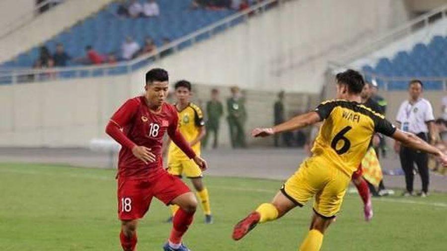 TRỰC TIẾP U22 Việt Nam vs U22 Brunei: Đức Chinh lính xướng hàng công