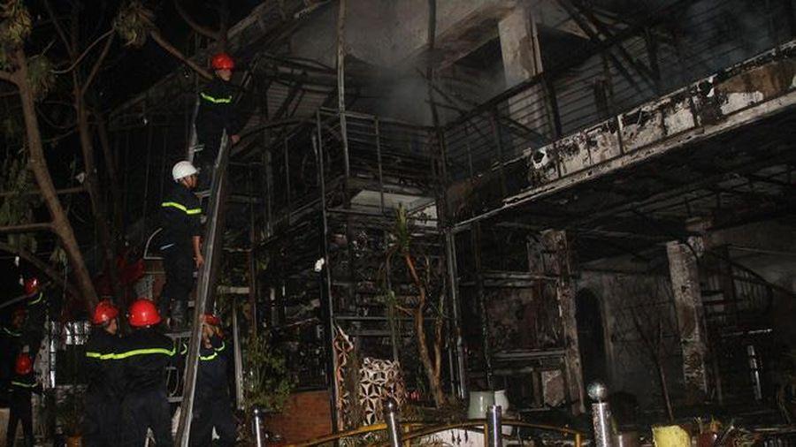 Đắk Lắk: Quán bar Porsche 79 bùng cháy trong đêm