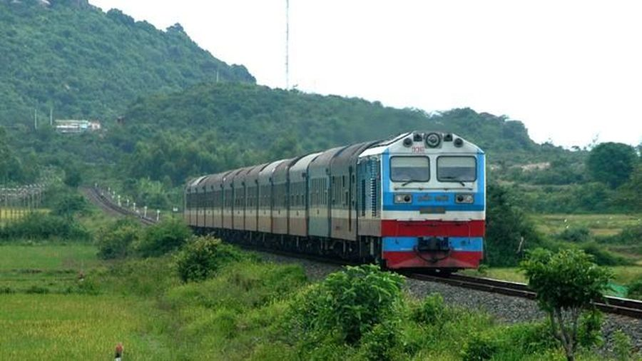 Dự án đường sắt Lào Cai-Hải Phòng 100.000 tỷ vừa lãng phí, vừa vô lý