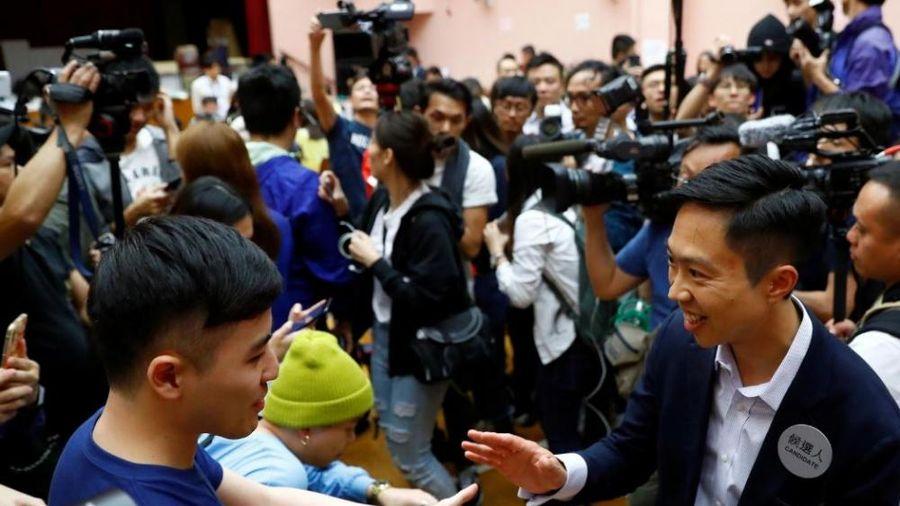Bầu cử Hội đồng quận ở Hong Kong: Ứng viên ủng hộ Dân chủ thắng áp đảo