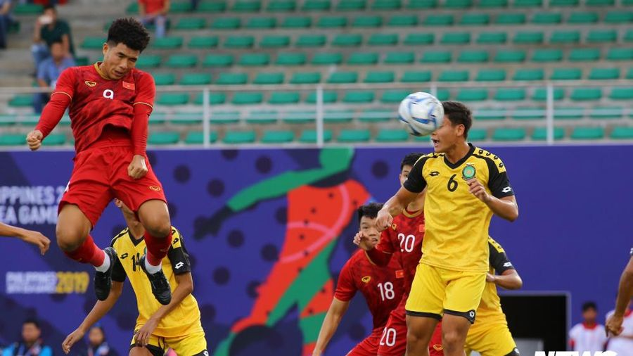 Hà Đức Chinh ghi bàn đầu tiên cho U22 Việt Nam ở SEA Games 30