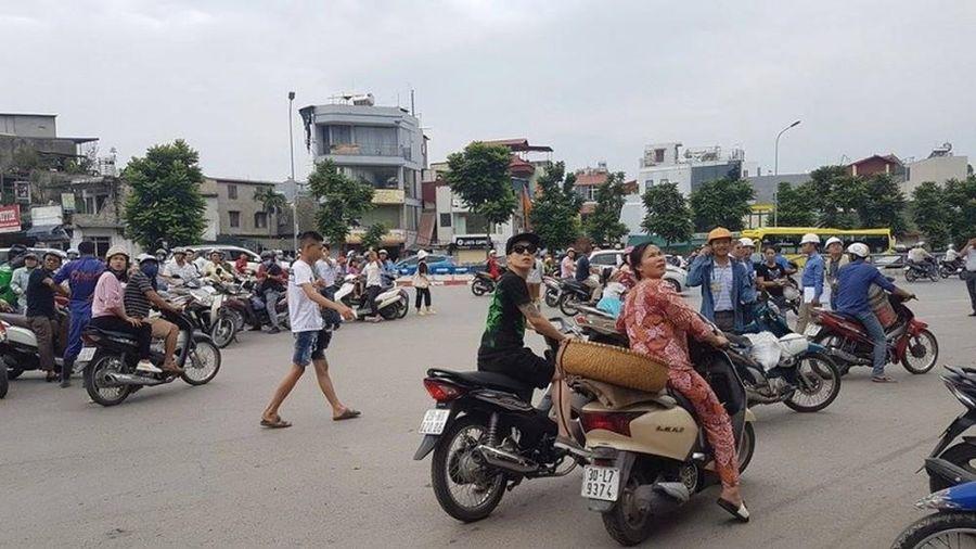Dân Hà Nội nháo nhác vì dư chấn động đất