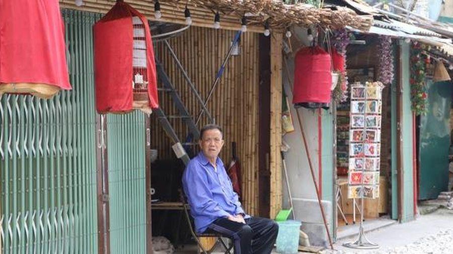 Phố cà phê đường tàu ở Hà Nội ra sao sau đề nghị di dời của Bộ Giao thông vận tải?