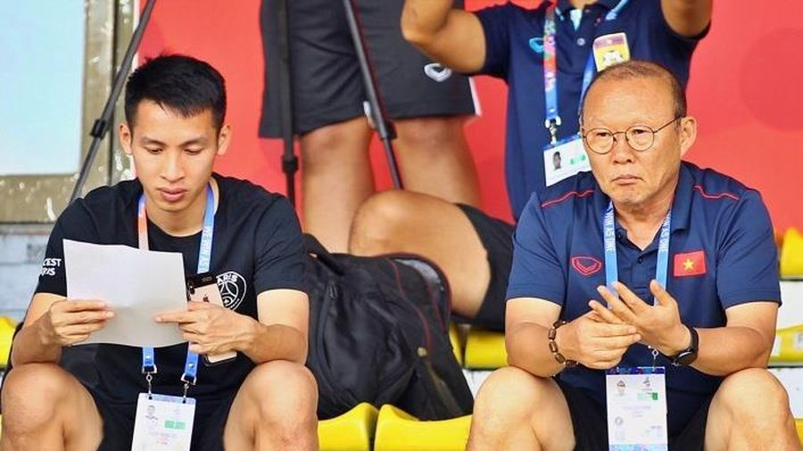 HLV Park Hang-seo đến sân nghiên cứu U22 Thái Lan đối đầu Indonesia