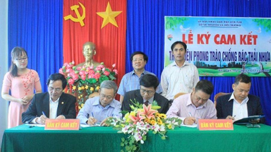 Chung tay thực hiện phong trào 'Chống rác thải nhựa' trên địa bàn tỉnh Kon Tum