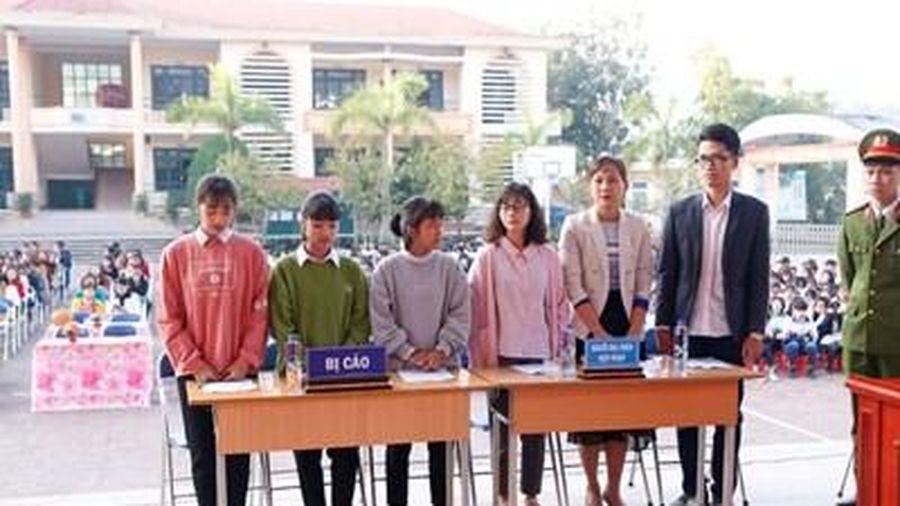Điện Biên tổ chức 'Phiên tòa giả định' về phòng chống bạo lực học đường
