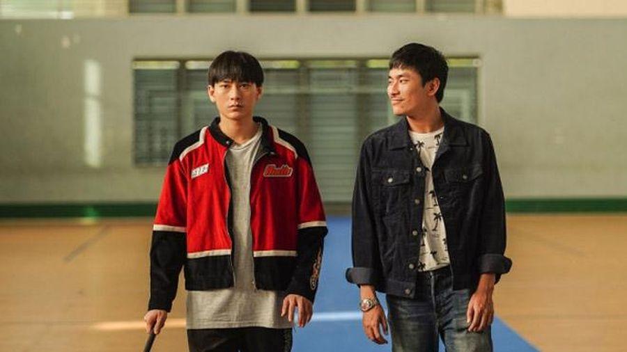 Review 'Anh trai yêu quái': Isaac đóng tốt hơn thời 'Song Lang', Kiều Minh Tuấn diễn xuất thần khiến người xem cười rồi khóc nức nở
