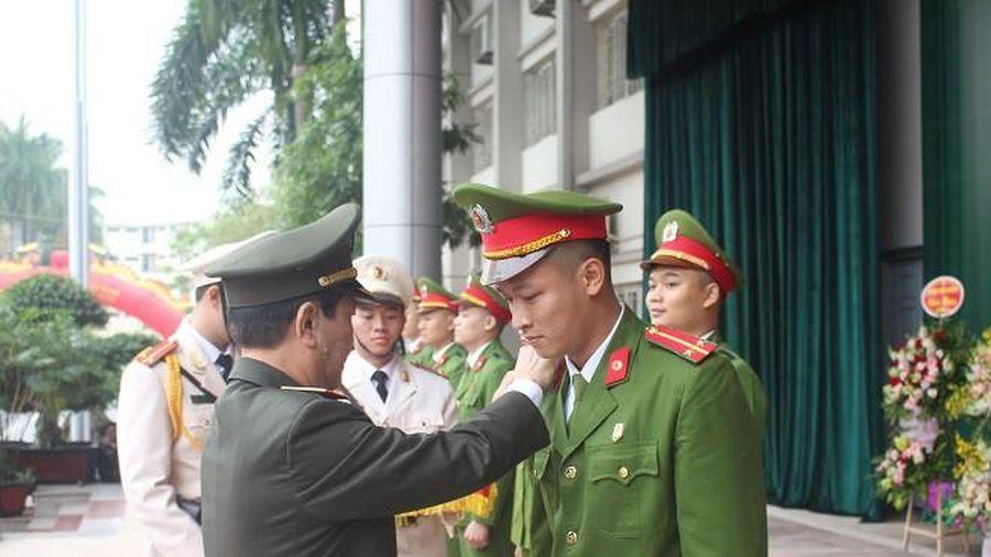 Học viện Cảnh sát nhân dân trao Bằng tốt nghiệp cho hơn 1.000 học viên