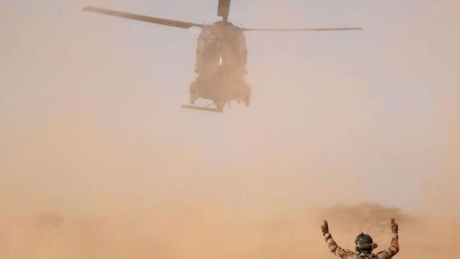 Hai trực thăng va nhau trên không, 13 binh sĩ Pháp thiệt mạng