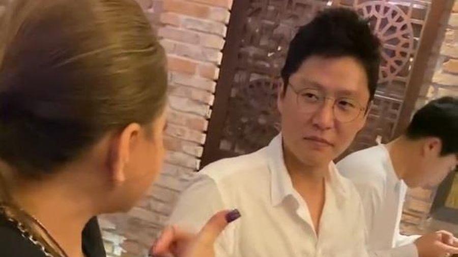 Lê Giang nói tiếng Anh với người Hàn Quốc