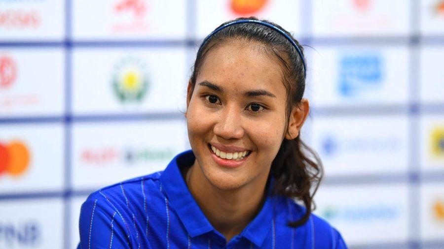 Em gái Dangda vui mừng khi ghi bàn vào lưới Việt Nam