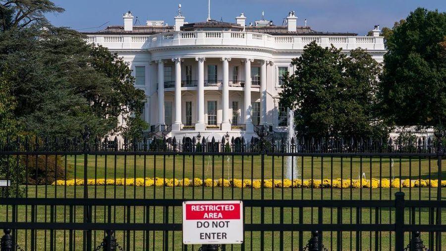 Mật vụ Mỹ phong tỏa Nhà Trắng vì 'đốm màu bí ẩn'