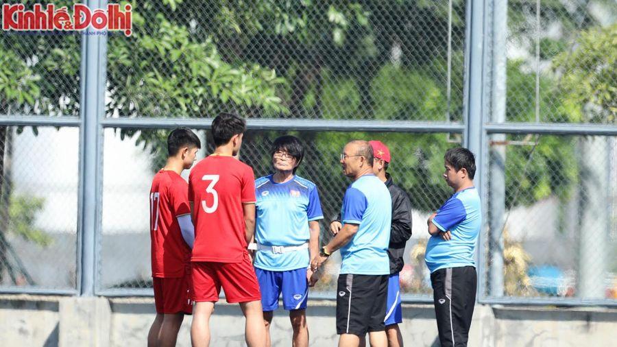 Trọng Hùng và Tấn Sinh tập riêng, thầy Park gặp khó trước trận đấu với U22 Lào?