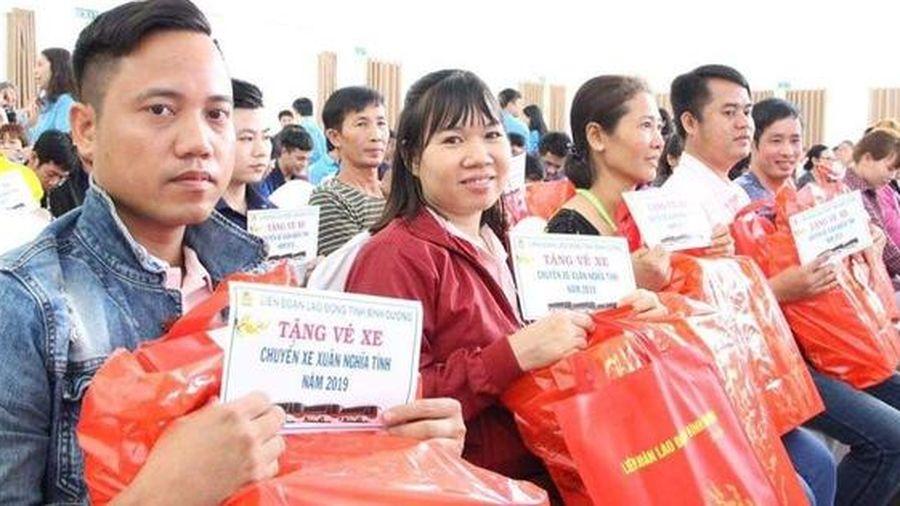 Đồng Nai: Tặng vé xe cho công nhân về quê đón Tết