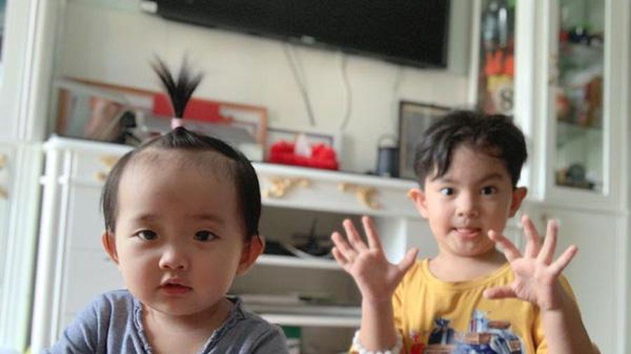 Hai con của Khánh Thi – Phan Hiển thường xuyên cãi cọ