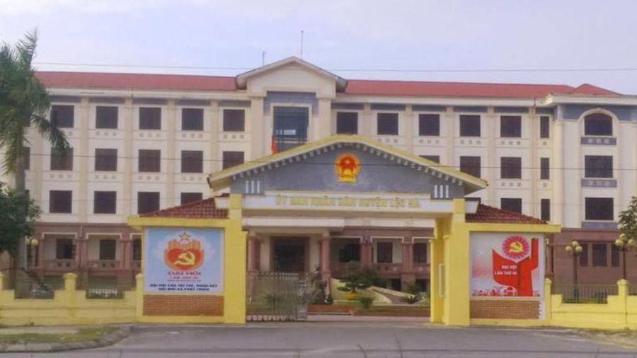 Ủy ban Kiểm tra tỉnh Hà Tĩnh xem xét kỷ luật hàng loạt cán bộ các cấp