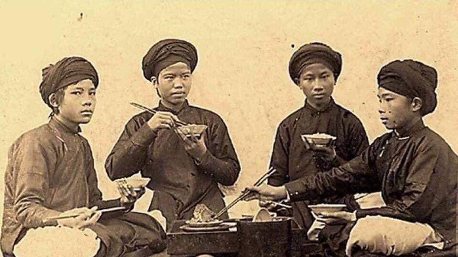 'Phát mệt' hay bài học cần thiết với '50 quy tắc trên mâm cơm của người Việt'?