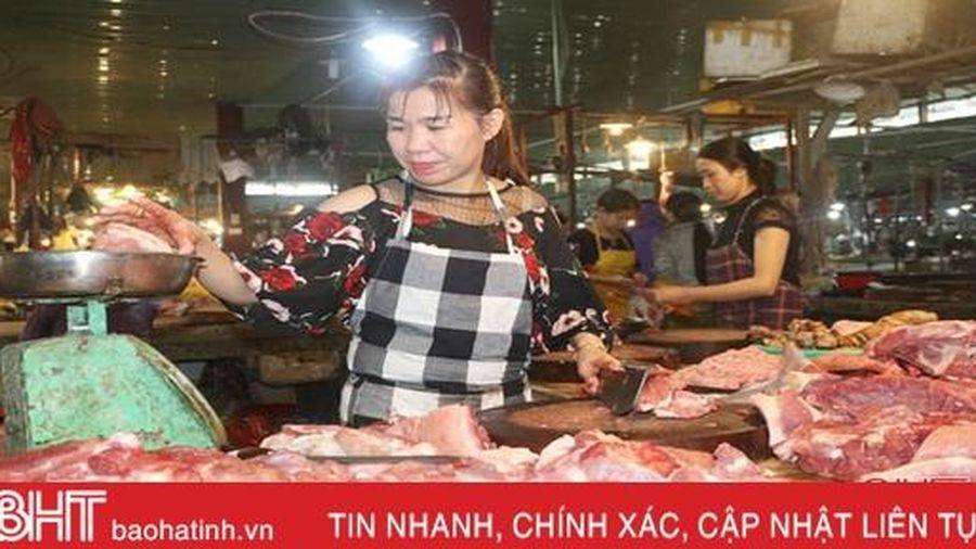 Giá thịt lợn 'đạt đỉnh', thị trường thực phẩm có 'tát nước theo mưa'?!