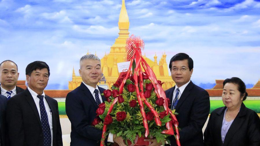 Đoàn Việt Nam chúc mừng 44 năm Quốc khánh CHDCND Lào