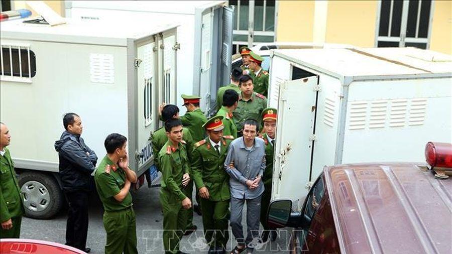 Xét xử sơ thẩm Trần Thị Hiền và các đối tượng về tội buôn bán ma túy