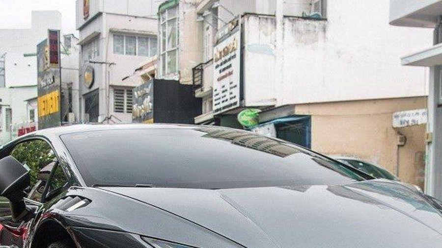 Hé lộ điểm đặc biệt của siêu xe Lamborghini Huracan trong MV mới của Ninh Dương Lan Ngọc