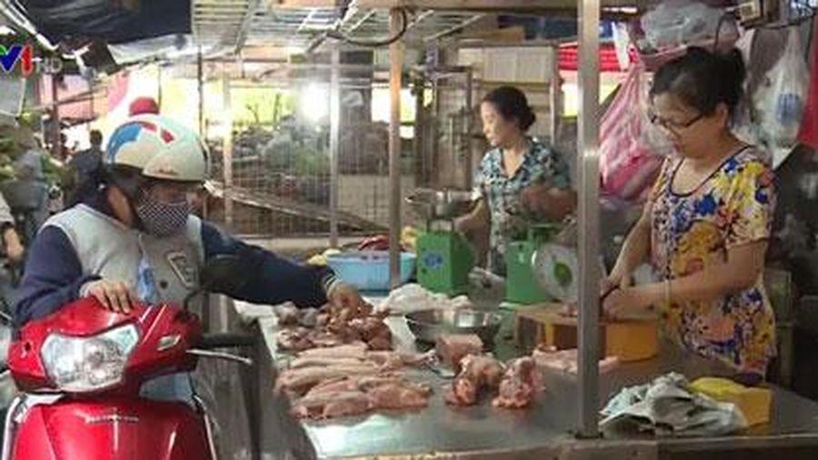 Giá thịt lợn tại miền Trung và miền Nam tiếp tục tăng cao