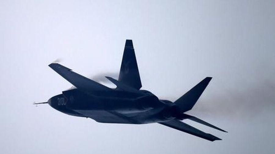 Trung Quốc tuyên bố FC-31 vượt xa Su-57