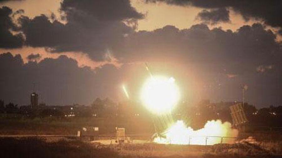 Phòng không Syria lập công lớn, chặn loạt tên lửa Israel