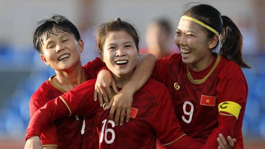 HLV Mai Đức Chung nói gì về việc tuyển nữ Việt Nam ăn không no?