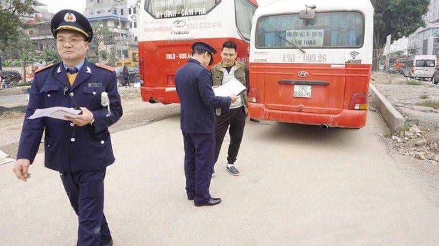 Hà Nội xử phạt hơn 5.000 xe khách chạy 'rùa bò'