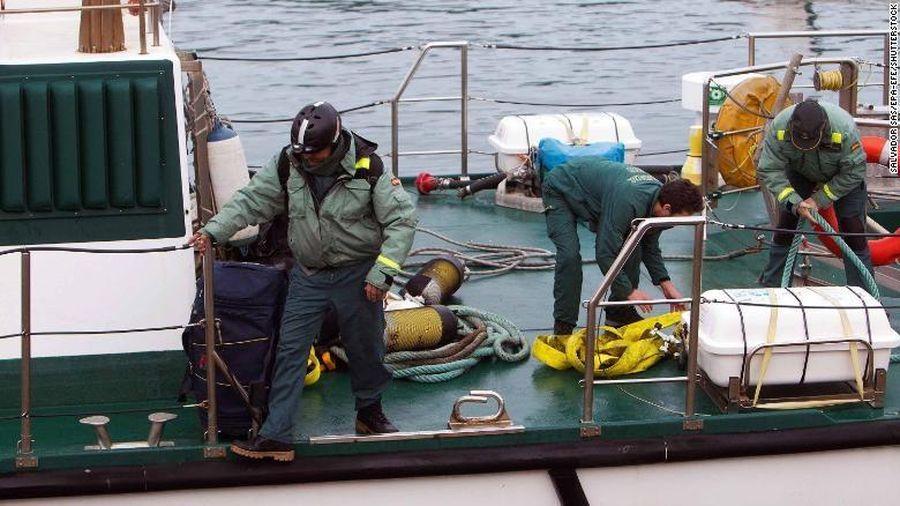 Tàu ngầm chở hơn 3.000 kg cocain bị bắt ở Tây Ban Nha