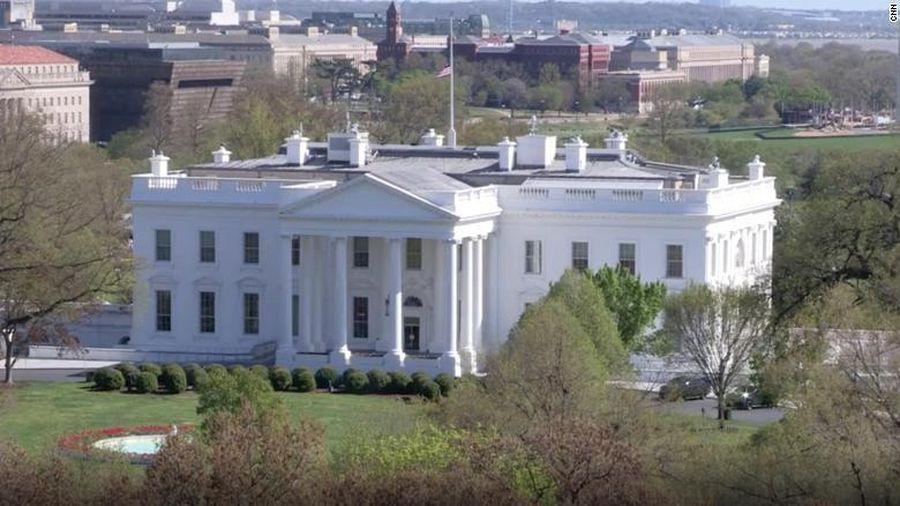 'Vật thể bay lạ' khiến Nhà Trắng bị phong tỏa có thể là đàn chim