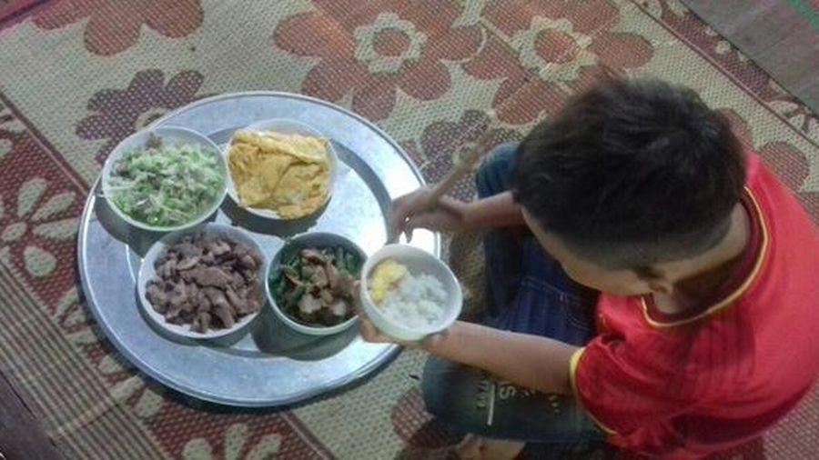 Cận cảnh cuộc sống mới của cậu bé 'cô độc trong rừng' ở Tuyên Quang