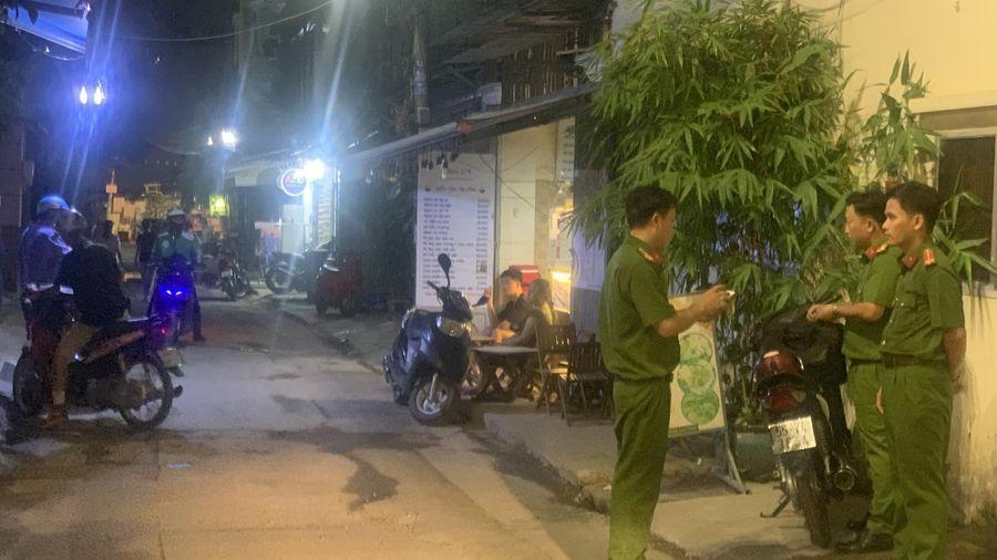 Cự cãi rồi xông vào đánh nhau, tài xế Go-Viet tử vong trên đường phố ở Sài Gòn