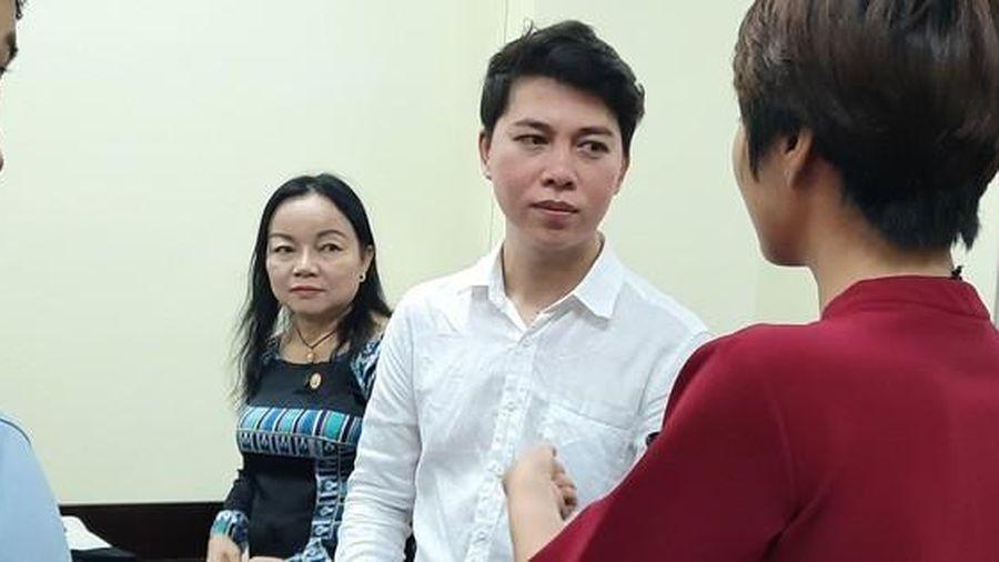 Tòa xử vụ kiện ca sĩ Đàm Vĩnh Hưng hoãn bất ngờ