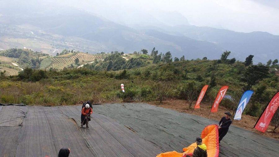 Khai mạc giải thi đấu dù lượn quốc tế đường trường tại Lai Châu