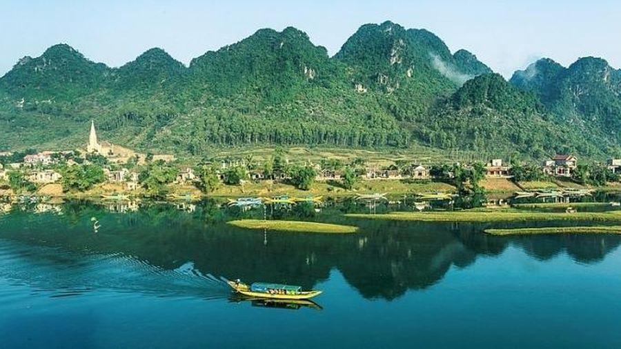 Phong Nha- Kẻ Bàng được 'xướng tên' điểm đến du lịch hàng đầu Việt Nam trên tạp chí du lịch nổi tiếng thế giới.