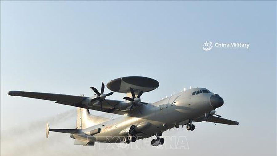 Hàn Quốc tố cáo máy bay quân sự Trung Quốc đi vào vùng nhận dạng phòng không