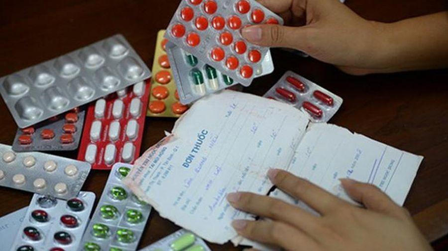 Nhập viện do 'tái sử dụng' đơn thuốc
