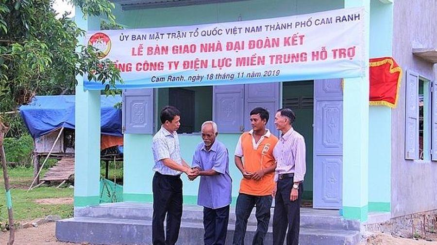 Ngành điện trao tặng 7 ngôi nhà tình nghĩa tại Khánh Hòa