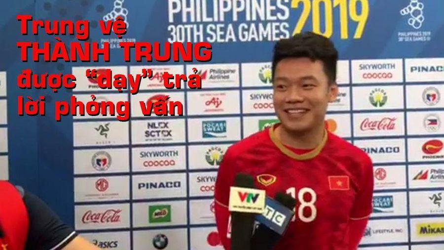Trung vệ Việt Nam học thầy Park xong lại được 'dạy' phỏng vấn