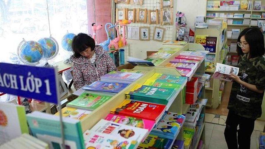 'Tréo ngoe' trong quy định chọn sách giáo khoa