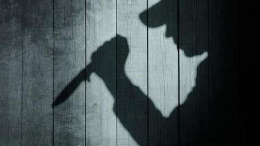 Không có tiền chơi game, hai thiếu niên đi trộm rồi dùng dao đâm cả chủ nhà