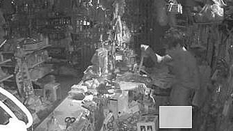 Long An: 'Ma nhớt' đột nhập nhà dân để trộm cắp