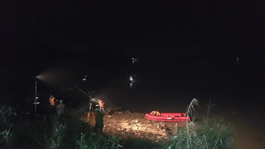 Phú Thọ: Sạt lở cuốn hai người xuống sông Lô