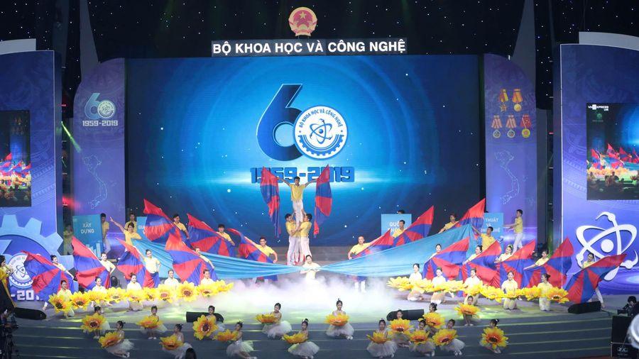 Bộ KH&CN kỷ niệm 60 năm thành lập và đón nhận Huân chương Lao động hạng Nhất